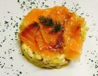 Photo Revuelto de salmón con papas confitadas - A Banda Restaurante